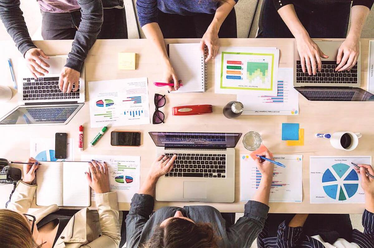 как выбрать продюсера онлайн школы